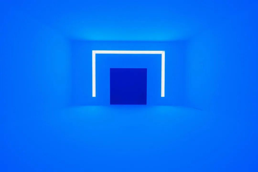 Rondo (Blue)|1969|projected light|dimensions variable